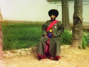 Isfandiyar Jurji Bahadur Khan do protetorado russo de Khorezm (Khiva, hoje parte do atual Usbequistão), 1910.
